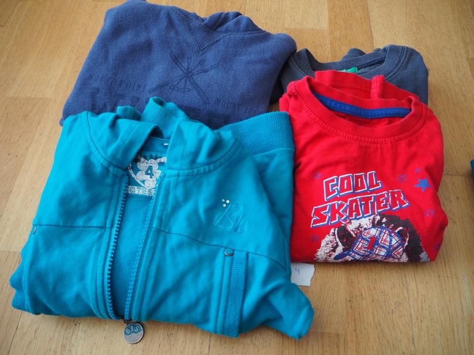 lot de dues samarretes i dues jaquetes P3-P4
