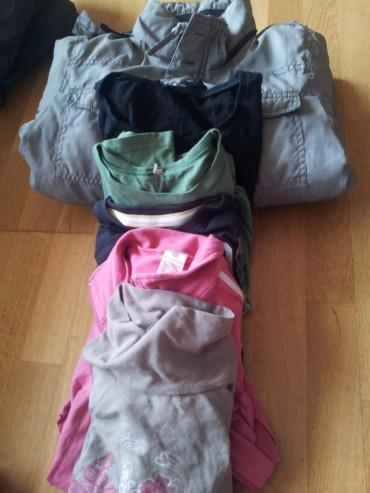 Diferents lots de roba de diferents talles i colors